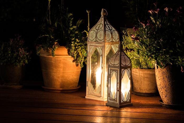 Oświetlenie na balkonie - Lampy i lampiony